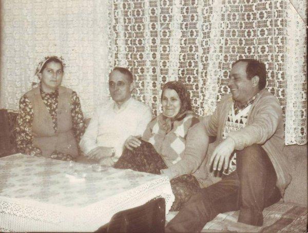 Salkanović Hasib i Hamzalija sestra Hajra i mati Ajka